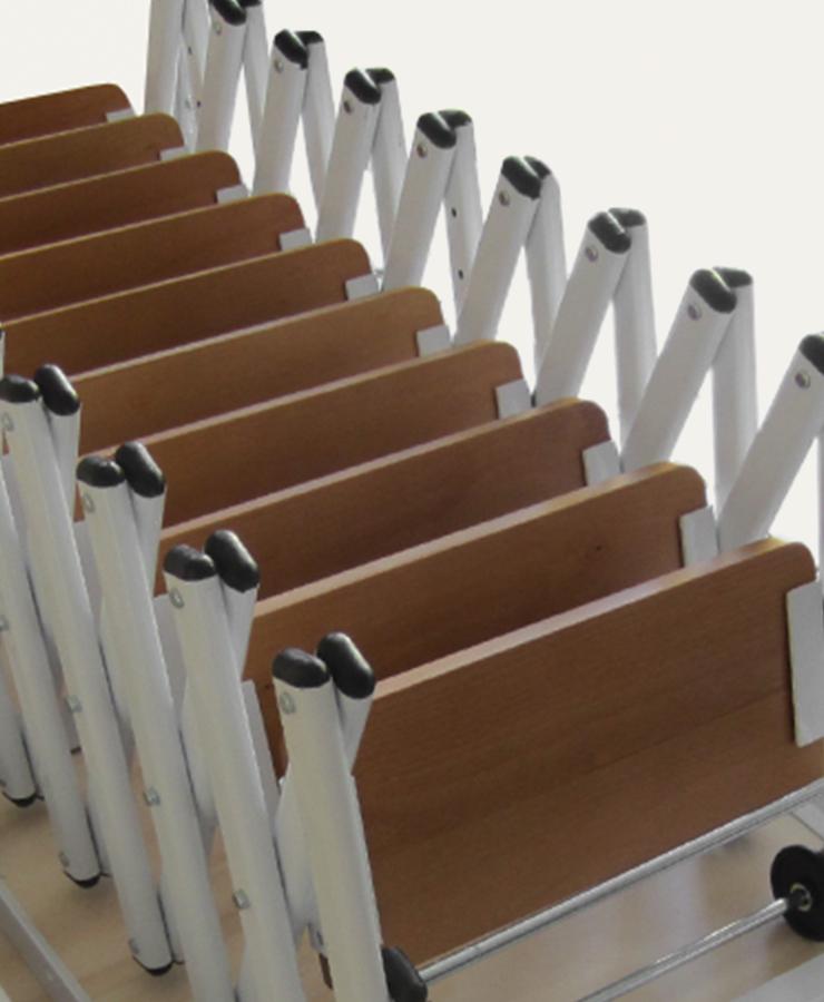 Gradini in legno per scale retrattili su misura for Gradini in legno massello prezzo